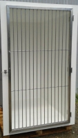 Walk in cage with stainless door